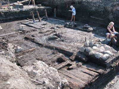 Sarcophagi Found During Excavations in Novgorod