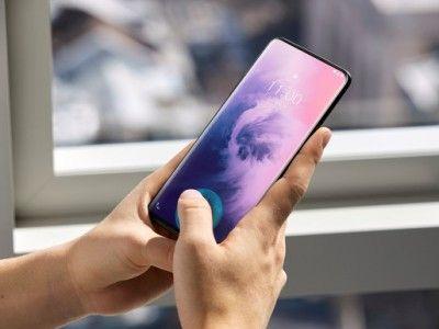 Xiaomi получила патент на смартфон с солнечной батареей