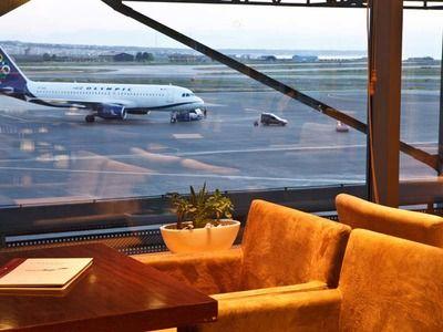 Туристы признались, какими услугами пользуются в аэропорту