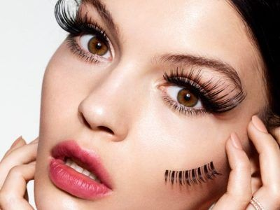 Doctors Talked about the Dangers of Eyelash Extensions