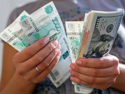 Две трети россиян предпочитают делать сбережения, а не тратить деньги