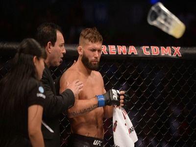 Главный бой турнира UFC в Мехико был признан несостоявшимся