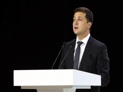 Zelensky Considers Strange the Lack of Air Links with Russia