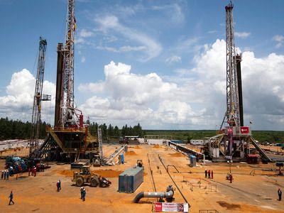 Media: Venezuela Wants to Transfer State Oil Company PDVSA to Russia
