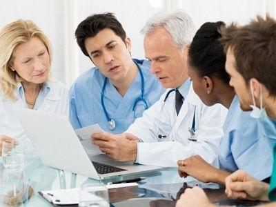 Наиболее востребованными среди медицинских работников являются терапевты и педиатры