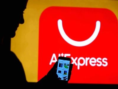 AliExpress: Lowering Threshold for Duty-Free Import of Parcels Will Return Russians to Clothing Markets