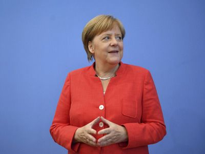"Bild: канцлер Германии из-за санкций по ""Северному потоку-2"" ""объявила Трампу войну"""
