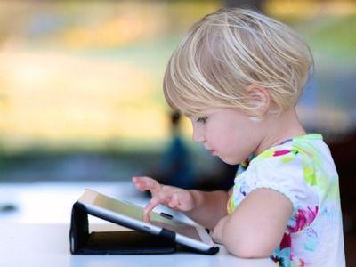Учёные указали на опасность использования смартфонов для детей