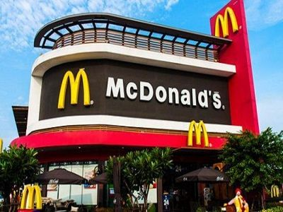 Сотрудникам McDonald`s хотят запретить флиртовать и ходить в бары