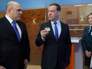 Медведев считает смену кабмина естественной ситуацией в период перемен