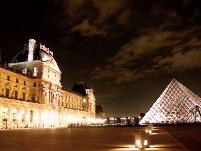 В Париже из-за протестов закрыли Лувр
