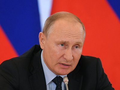 Putin Urged Not to Experiment with the Form of Government in Russia