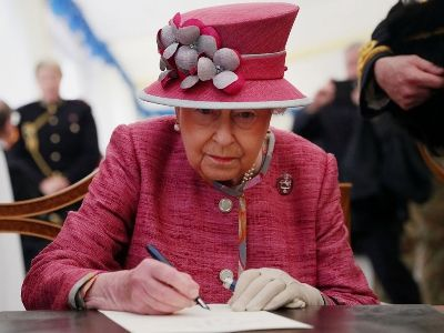 Queen Elizabeth II Signed the Law on Brexit
