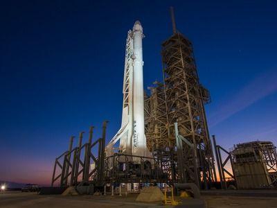 Двигатель ракеты «Falcon 9» выключился при запуске спутника
