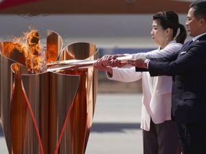 Олимпийский огонь был доставлен из Греции в Японию