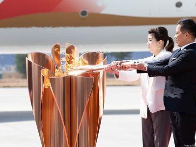Более 50 000 человек выстроились в очередь, чтобы увидеть Олимпийский огонь в Японии