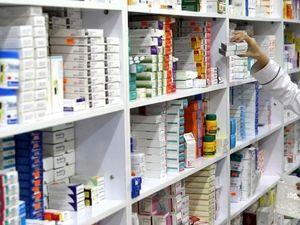 Россияне начали запасаться лекарствами впрок