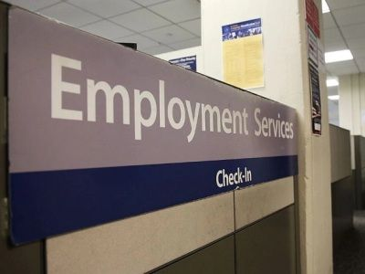 The Number of Unemployed in the US Rose by a Record 6.6 Million for a Week