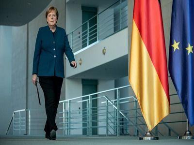 Merkel Returned to Her Workplace after Home Quarantine