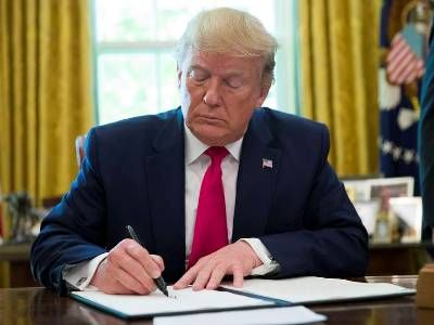 Trump Signed a Decree on the Commercial Extraction of Resources on the Moon