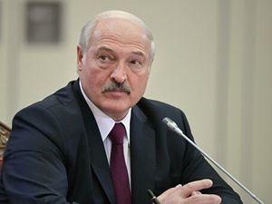 Лукашенко заявил о готовности лично лечить людей с COVID-19