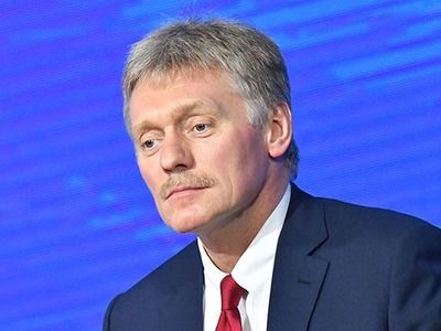 """Песков заявил, что не нужно """"морозить"""" экономику в субъектах с благоприятной ситуацией"""