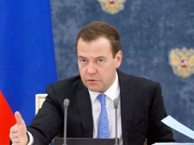 Medvedev Reported about a Collapse in Some Russian Industries Caused by the Epidemic