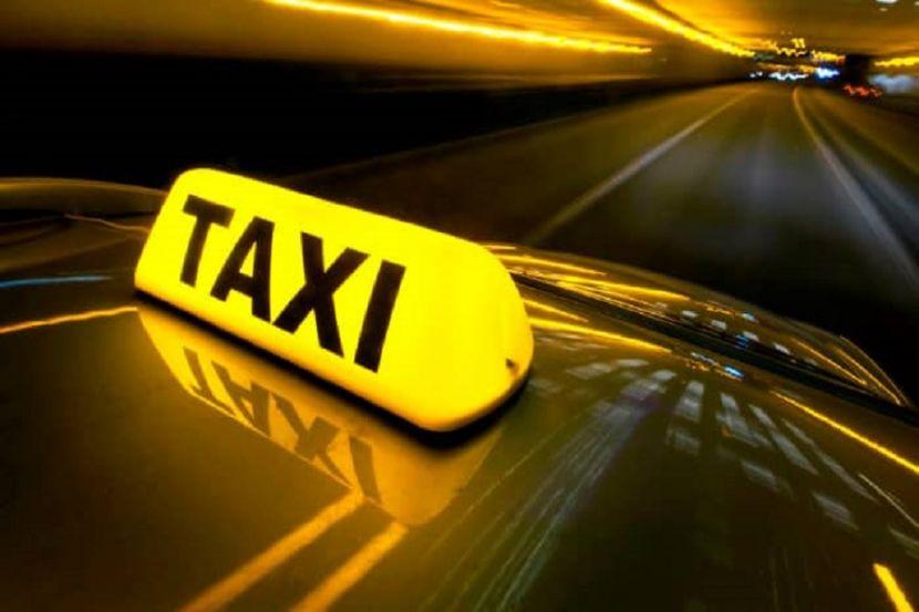 Власти Москвы разъяснили условия проезда таксистов во время пропускного режима