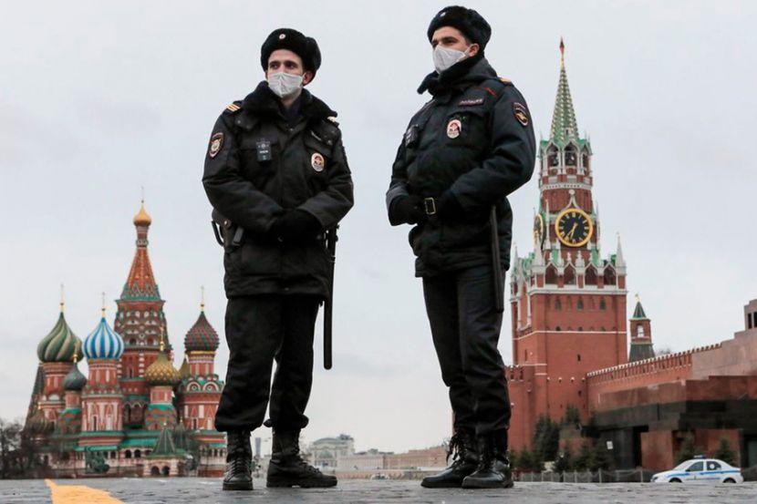 В Москве задержали активиста, гулявшего в форме полицейского
