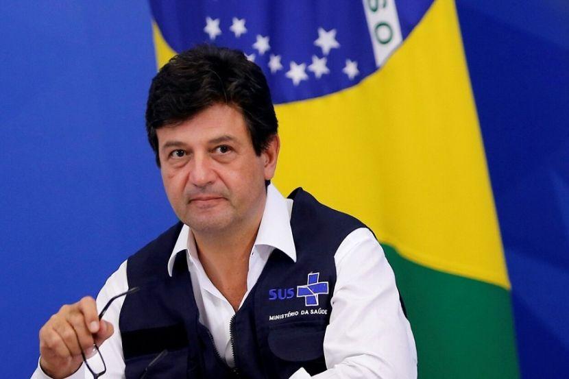 В Бразилии уволили министра здравоохранения, который настаивал на карантинных мерах, в отличие от президента