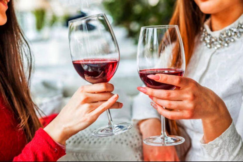 Врач развеял популярные мифы об алкоголе