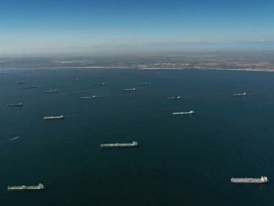 More than 20 Oil Tankers Stopped off the Coast of California