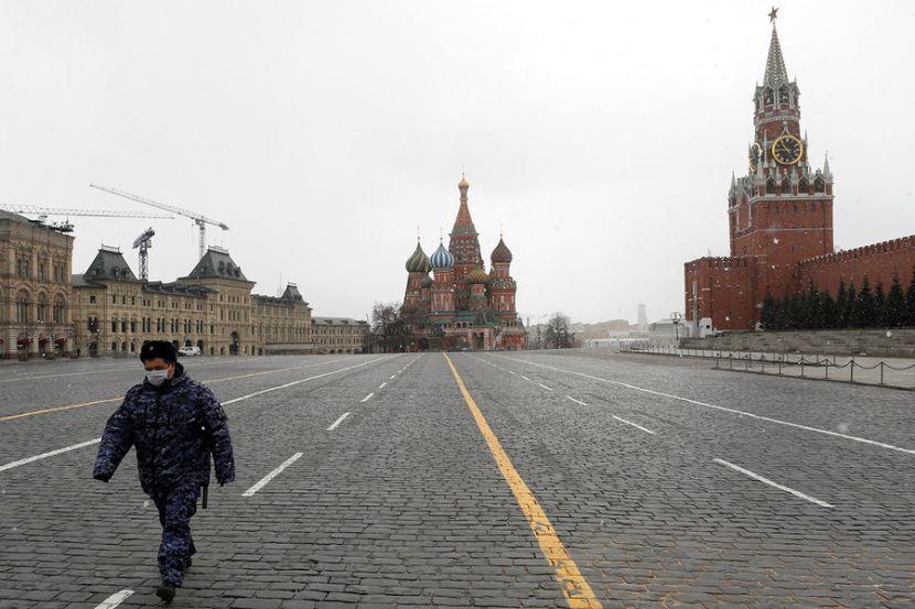 Эпидемиолог объяснил, почему в России не ввели жёсткий карантин