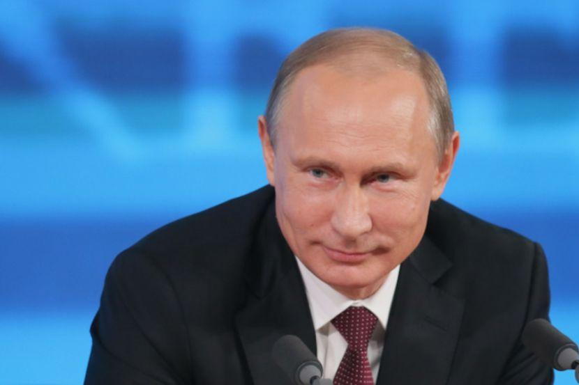 """Путин заявил, что на 9 мая выйдет на балкон и споёт """"День Победы"""""""