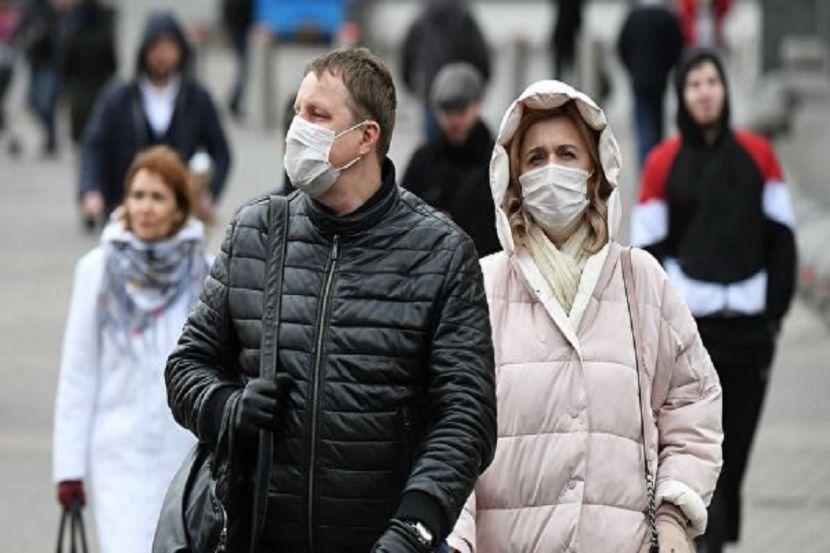 Жителей Подмосковья обязали носить медицинские маски