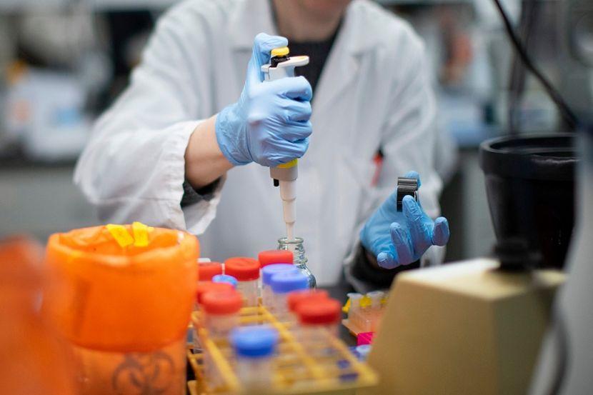 На Украине разрешили клинические испытания препарата против COVID-19