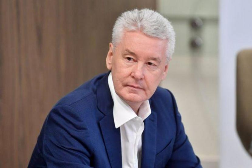 Мэр Москвы назвал преждевременным снятие ограничений по сфере услуг в российской столице