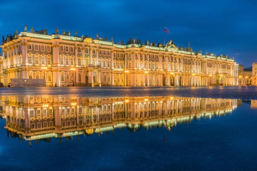 Власти России поддержат Минкульт, Большой театр и Эрмитаж миллиардами рублей