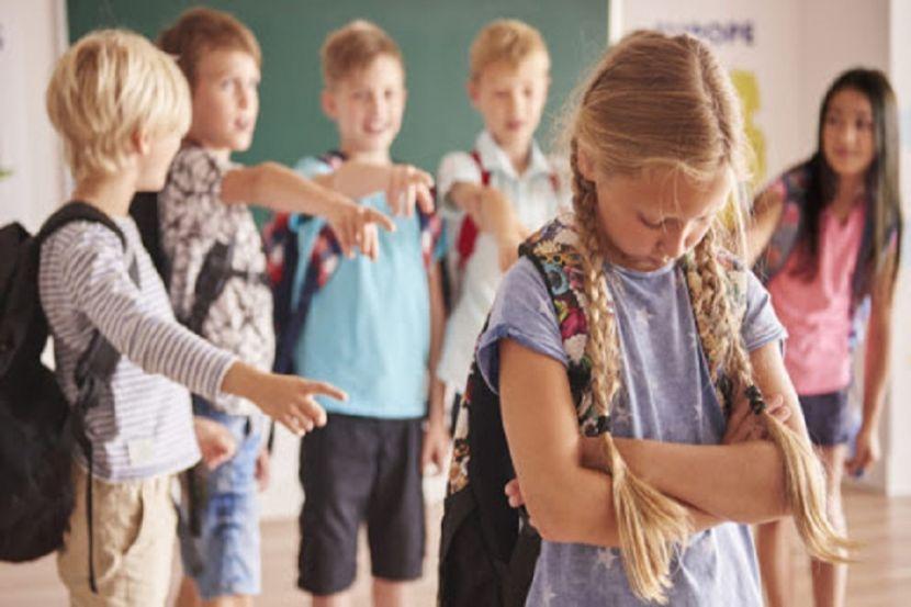 Психологи рассказали, как бороться с травлей детей в школах