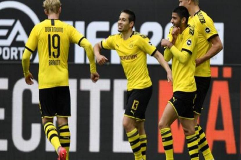 «Боруссия» разгромила «Шальке» в чемпионате Германии