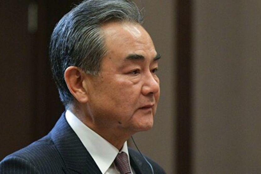 В МИД КНР заявили, что Китай открыл в США новый «политический» вирус