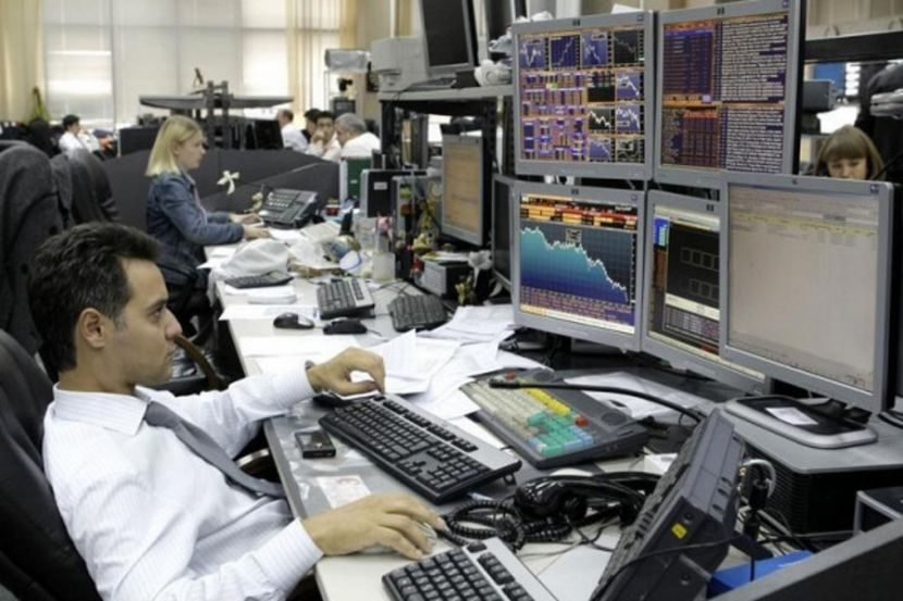 Experts: Russian Stock Market May Continue to Grow Amid Stability in Oil Prices