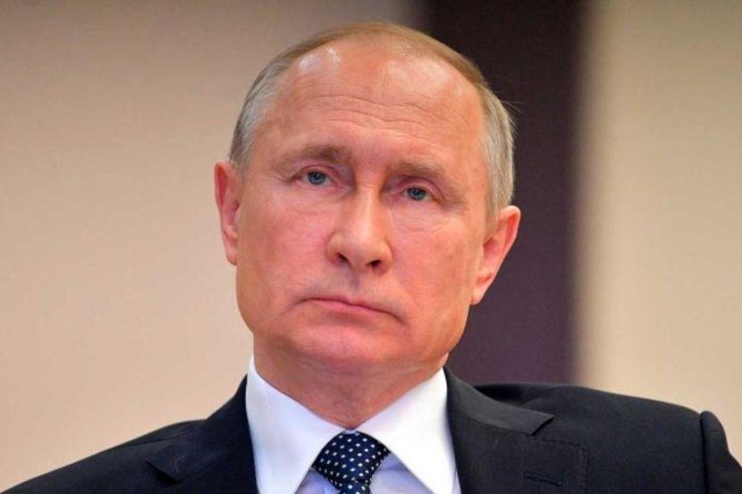 Путин поддержал инициативу платить безработным жителям России втрое больше