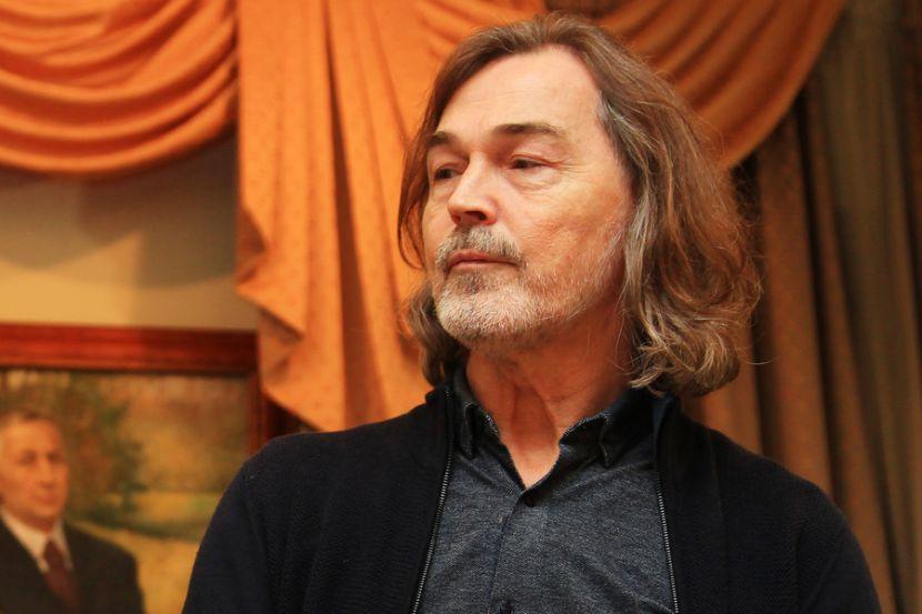 Никас Сафронов раскритиковал «жалующихся на безденежье» артистов
