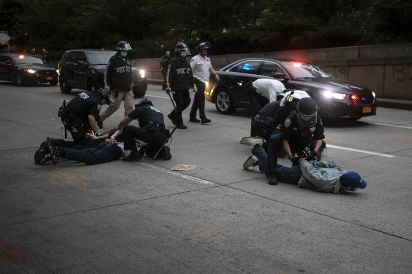 Police Detained More than 9 Thousand Protesters in the United States