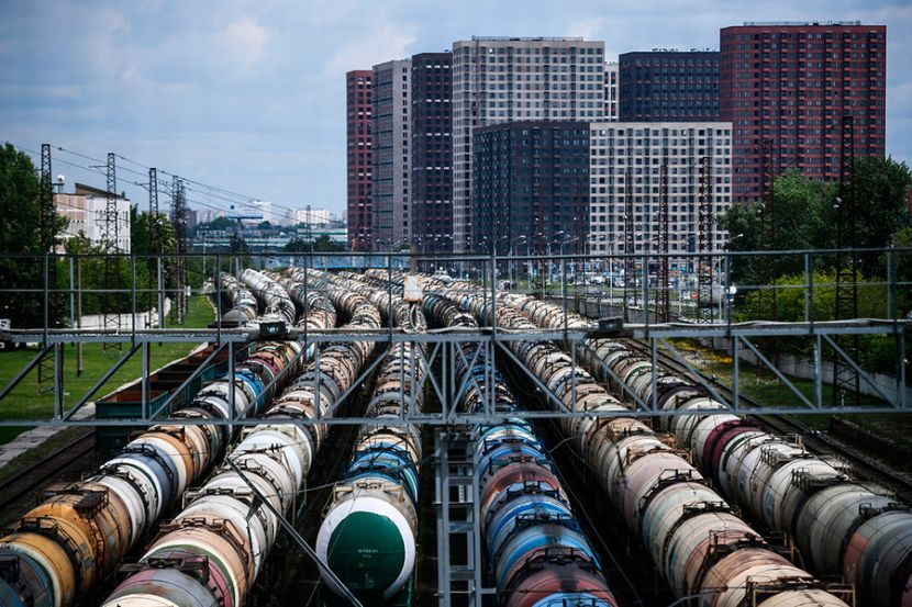 Russian Ministry of Energy Instructed Oil Companies to Redirect Exports to Domestic Market
