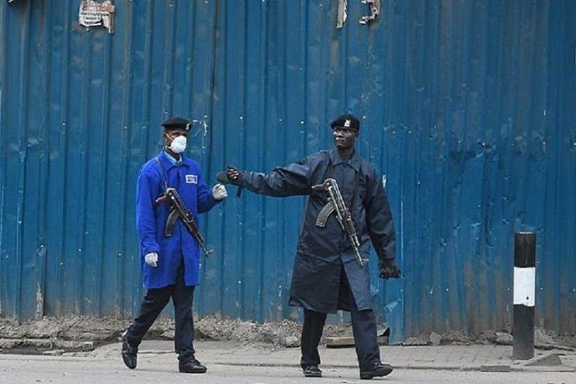 В Кении из-за действий полицейских во время комендантского часа погибли 15 человек