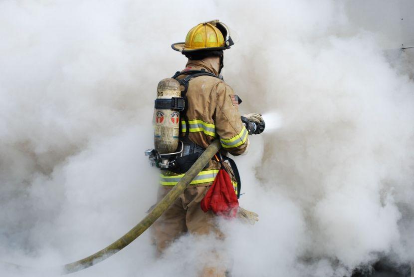 Четверо маленьких детей погибли при пожаре в частном доме под Иркутском