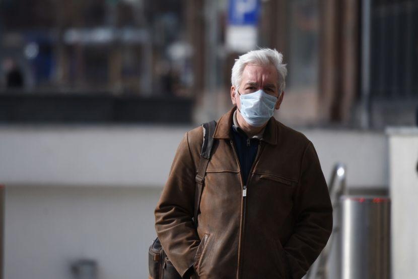 В России за минувшие сутки выявили 8 595 новых случаев заражения коронавирусом
