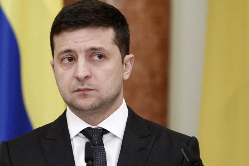 """Зеленский сказал, что его нет в соцсетях, и заявил об """"армии ботов"""" Порошенко"""